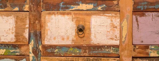 oude-meubels-opknappen-met-distressing